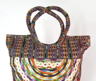 Coleccion-Luna-handbag_mainstory1