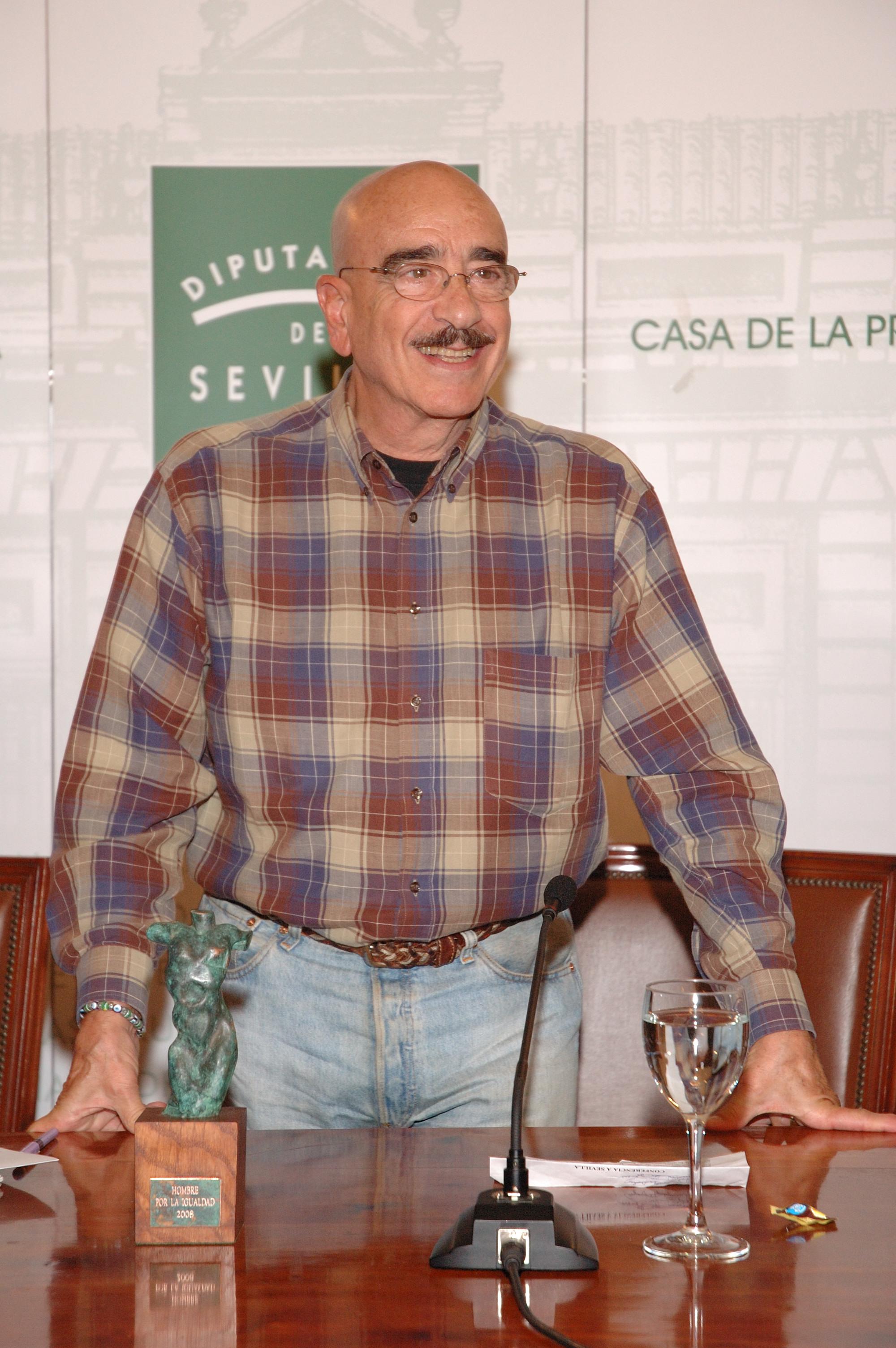 Armand recoge el Reconocimiento Hombre por la Igualdad 2008