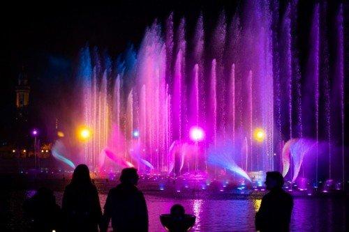 Het Gezinsleven - Uitstapjes - Pretparken - De Efteling, al onze tips voor een leuke dag - Watershow in de nacht