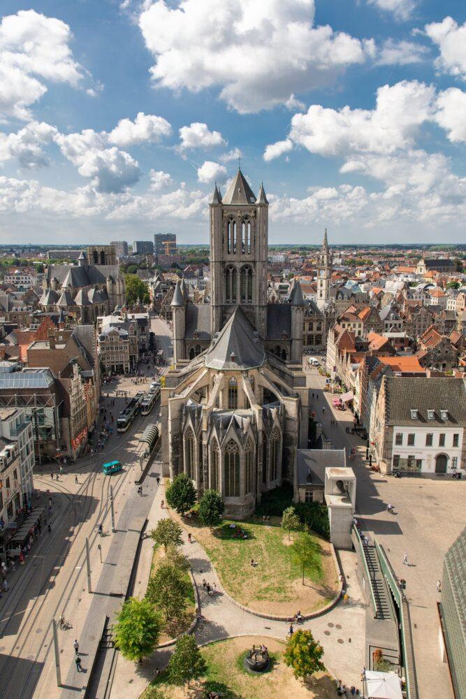 Het Gezinsleven - Uitstapjes - Bezienswaardigheden - De top 3 leukste steden van België! - Sint-Niklaaskerk Gent