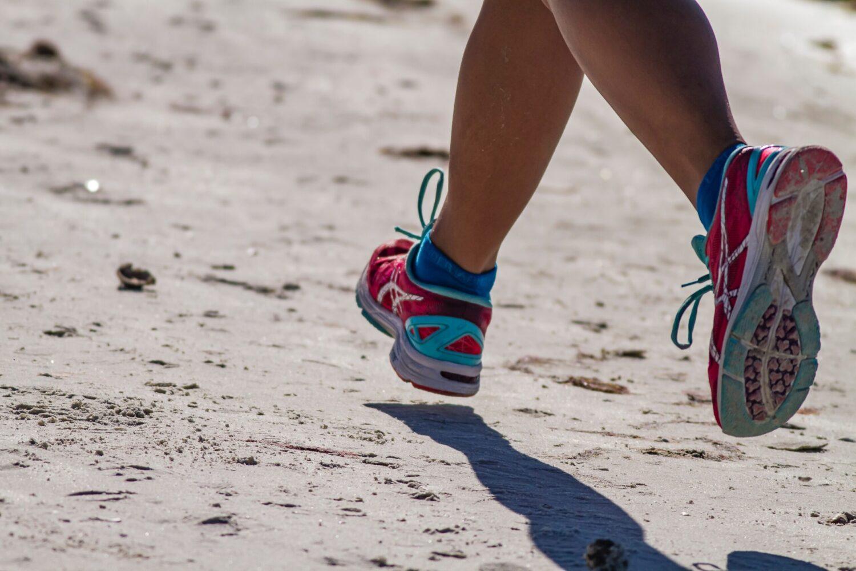 Het Gezinsleven - Lifestyle - Sporten - Hoe begin je met hardlopen? - Hardlopen op het strand