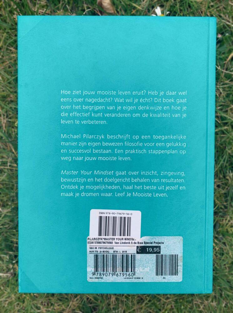 Het Gezinsleven - Lifestyle - Hobby's - Persoonlijke ontwikkeling, boeken top 5 - Achterkant boek Master your Mindset