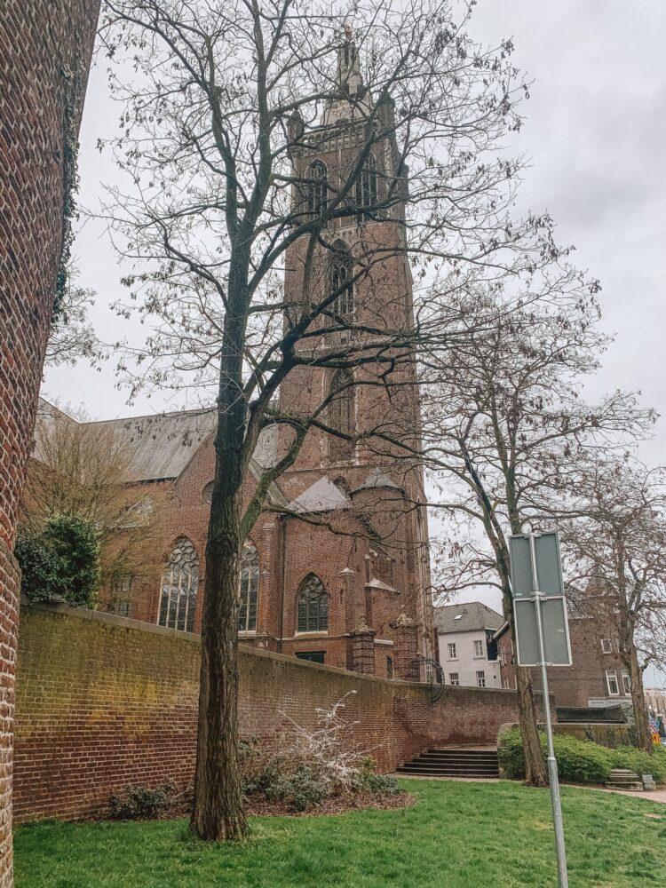 Het Gezinsleven - Uitstapjes - Bezienswaardigheden in Roermond - de St. Christoffel-Kathedraal