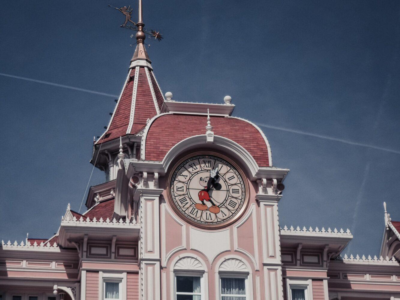 Het Gezinsleven - Uitstapjes - Pretparken - Disneyland Parijs - Mickey Mouse klok