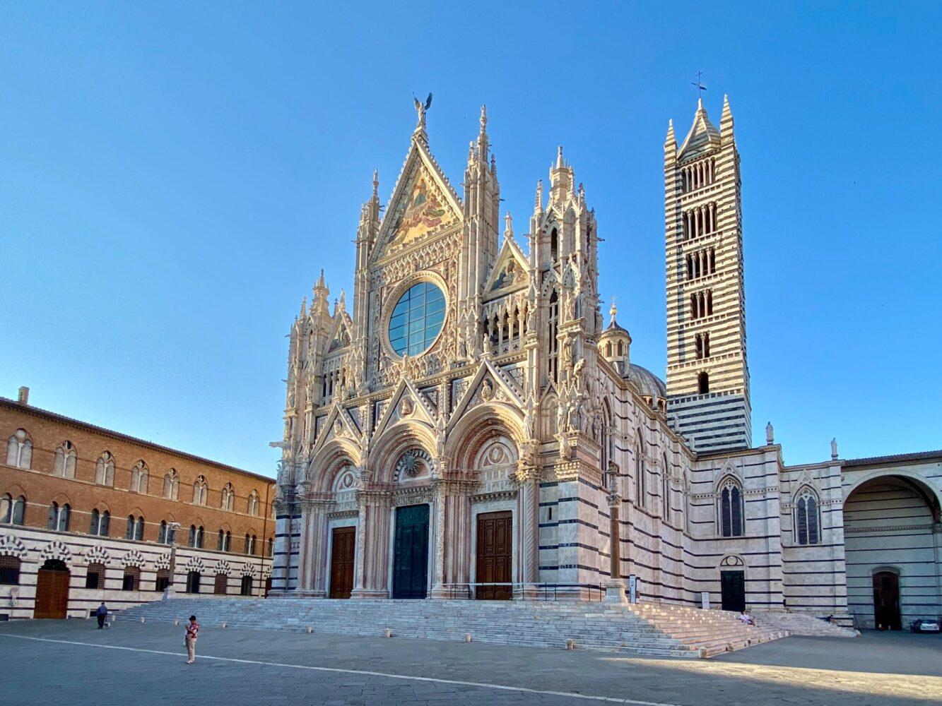Het Gezinsleven - Vakanties - Europa - De 10 mooiste steden in de Toscane - Duomo Santa Maria in Siena