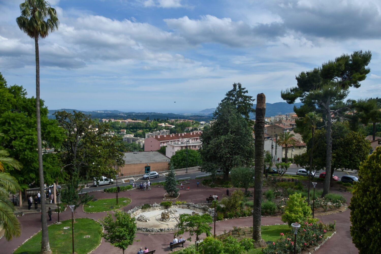 Het Gezinsleven - Vakantie - Autovakantie - Vakantie in de Côte d'Azur, beter wordt het niet! - Grasse - Uitzicht