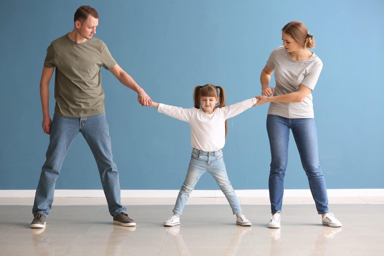 Het Gezinsleven - Moeder en Kind - Moeders - Hoe zorg je voor een goede relatie tussen een kind en ouder die vaak weg is? - Kind is de dupe van een scheiding