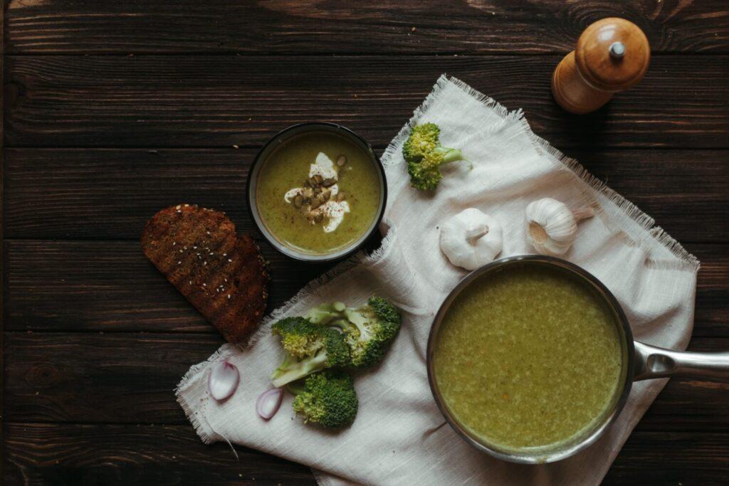 Het Gezinsleven - Lifestyle - Koken en recepten - 2 Gemakkelijke soepen - Broccoli Courgette soep