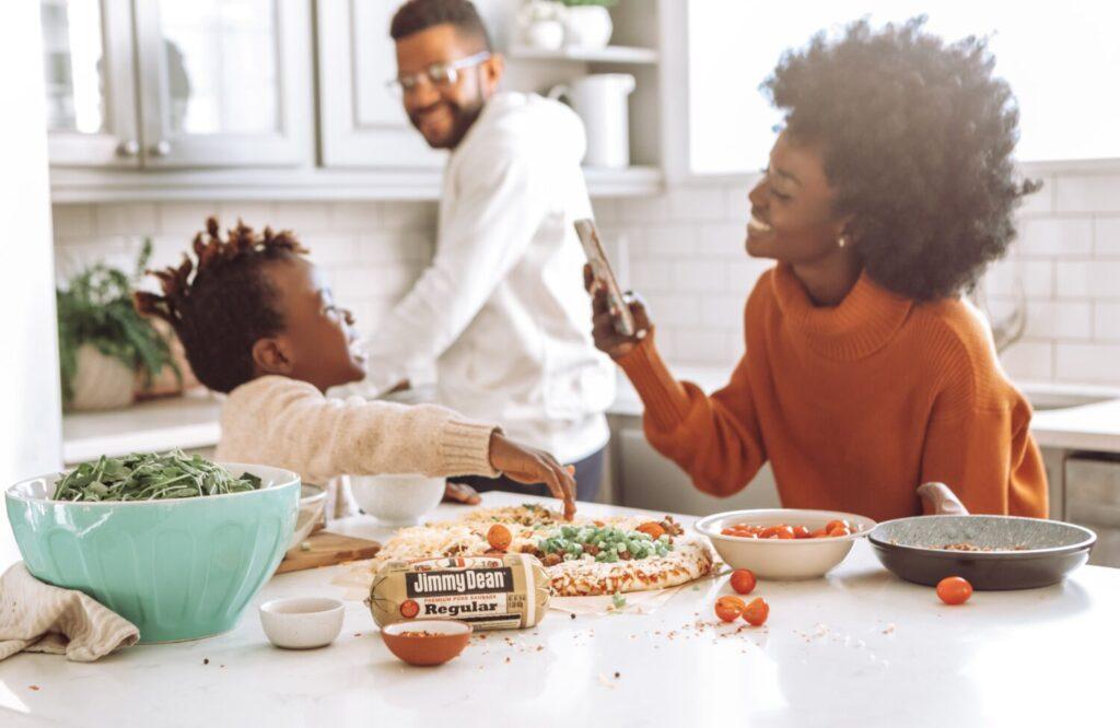 Het Gezinsleven - Moeder en Kind - Kinderen 1-4 jaar - Help, het is tijd voor een mijn kind wil niet eten plan! - Gezellig samen aan tafel