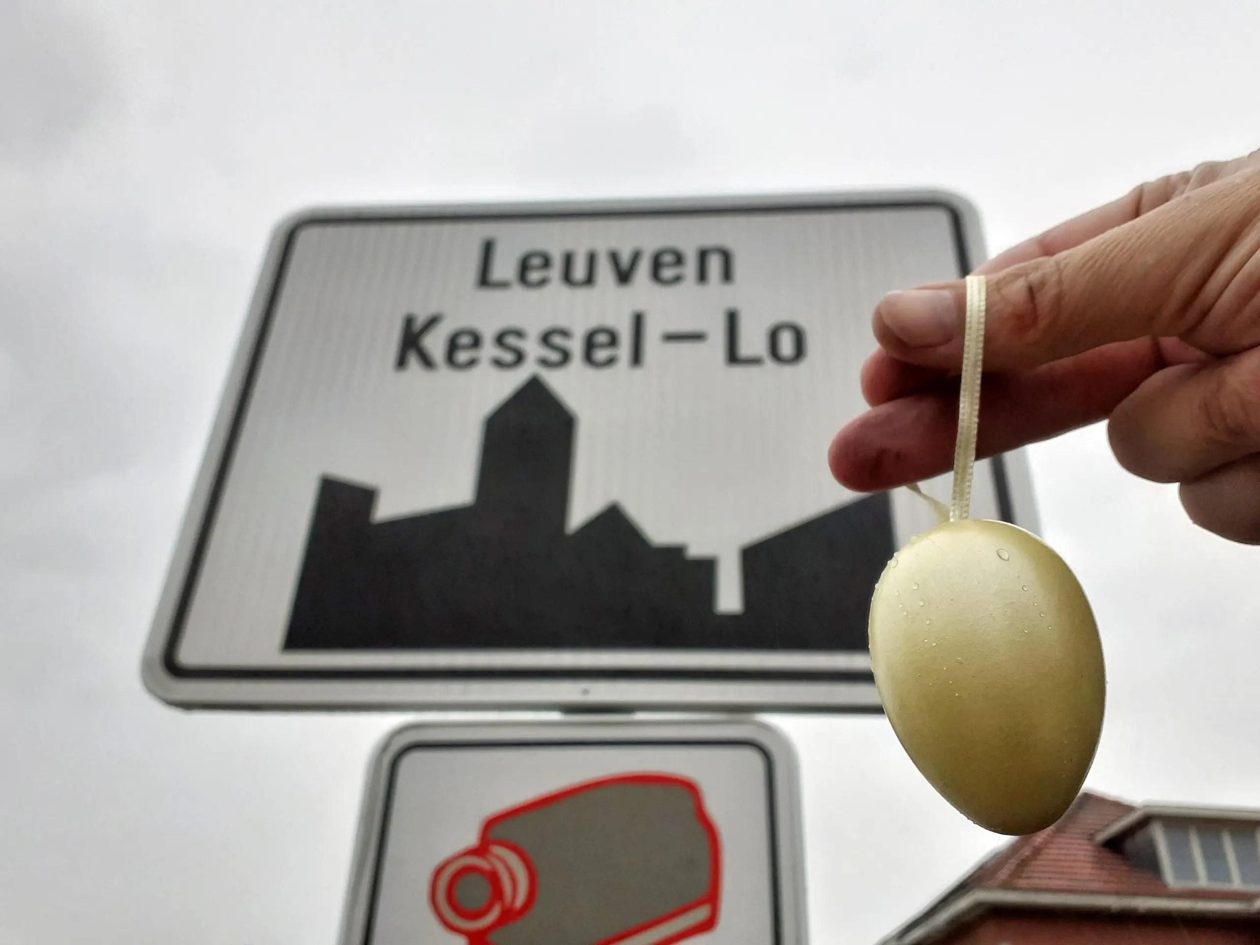 Het Gouden Ei verkeersbord Kessel-Lo