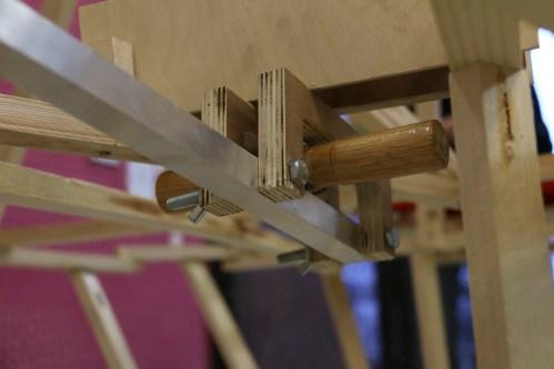 Geleidingsmechanisme en buis die wordt gebruikt voor het krikken