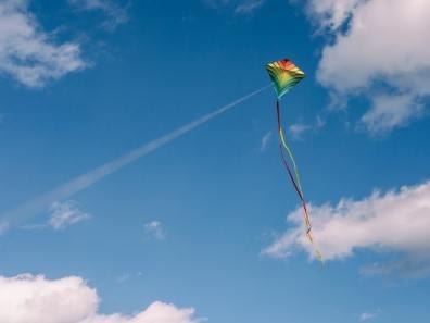 faire voler un cerf-volant