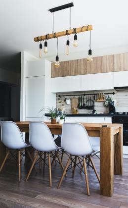 cuisine rangée dans une maison organisée