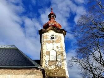 Schüner Turm Kirche Petrovice