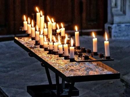 Kerzen zum Gebet nicht nur für den Gottesdienst