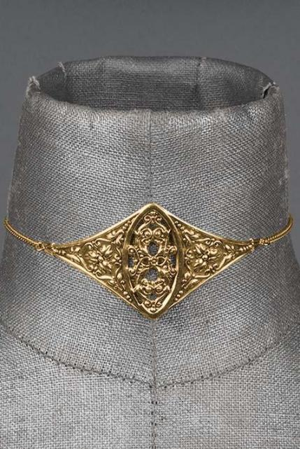 Regal Rose Verona Filigree Gold Plated Shield Choker