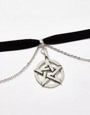 Chain Pentagram Pendant Choker