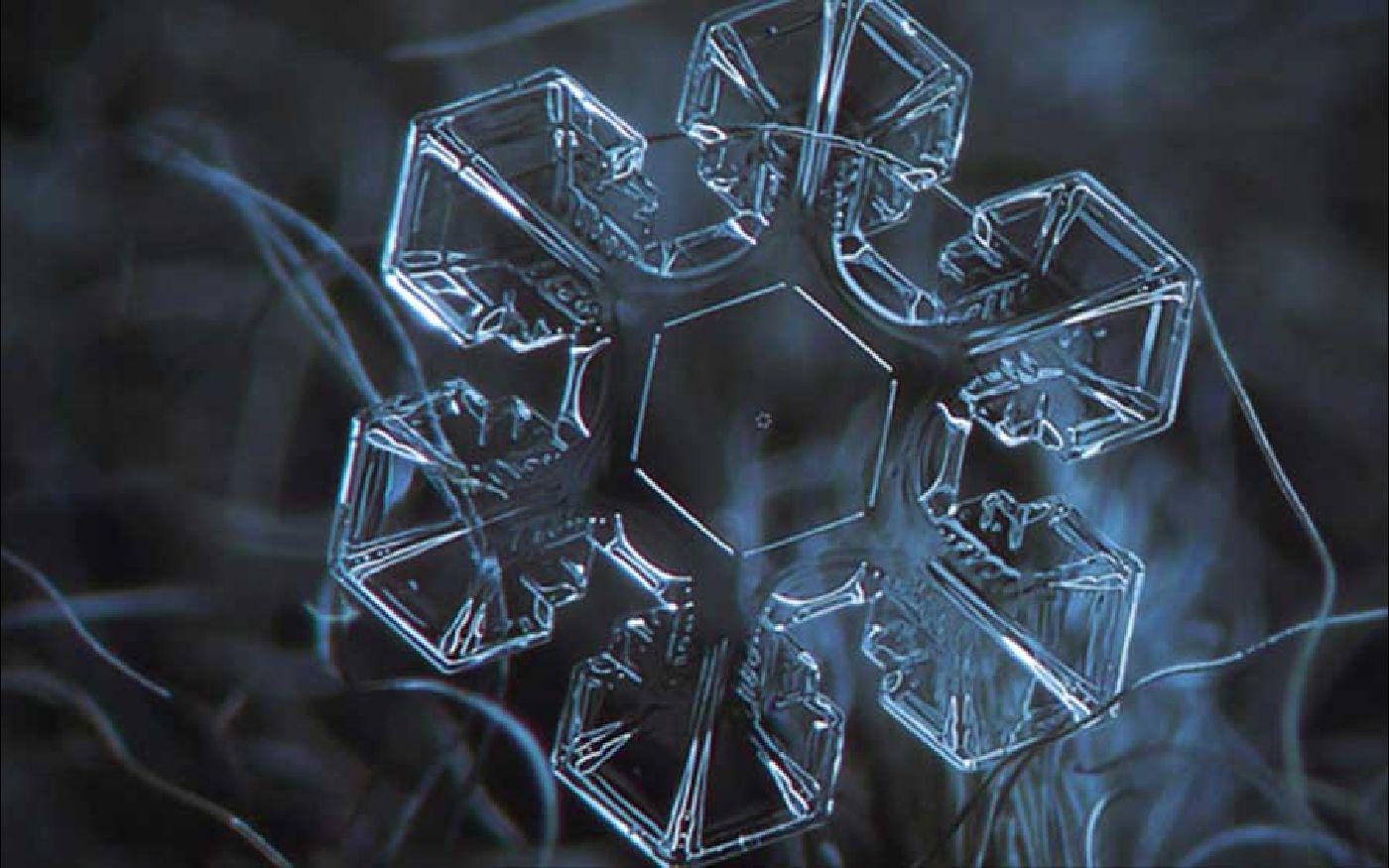 hexagonal water crystal