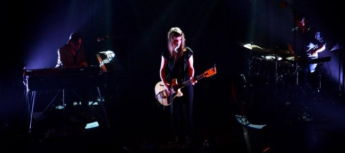 Emilie Marsh – La Scène du Canal