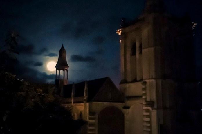 Le focus de Daniel Zanzara : Nuit d'éclipse à Paris Story, le 25 janvier