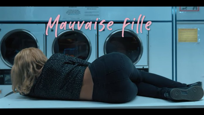 Nawel Dombrowsky – Mauvaise fille