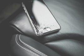 Iphone com o vidro partido
