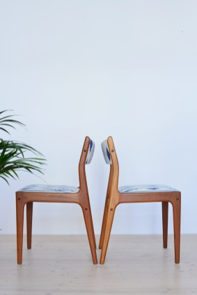 Pair of Teak Dining Chairs Reupholstered heyday möbel Zürich Switzerland