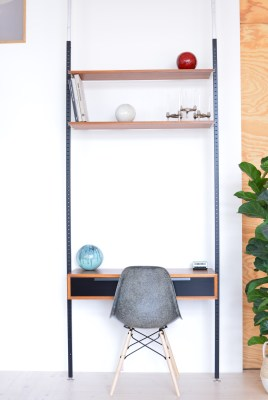 Frank Bolliger Telescopic Shelving Unit with Desk heyday möbel Wiedikon