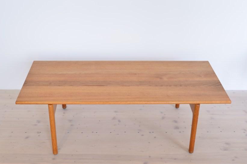 Model AT-15 Oak Coffee Table by Hans J. Wegner Andreas Tuck 1963