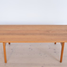 Model AT-15 Oak Coffee Table by Hans J. Wegner Andreas Tuck 1963