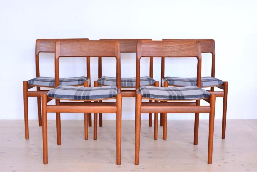 Johannes Norgaard Mobelfabrik Denmark 1963 Teak Dining Chairs with Plaid heyday möbel