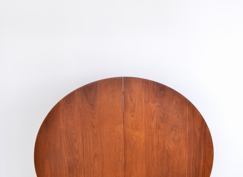 Model 311 Round Dining Table by Peter Hvidt and Orla Molgaard Nielsen 02