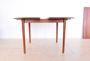 Model 311 Round Dining Table by Peter Hvidt and Orla Molgaard Nielsen 01