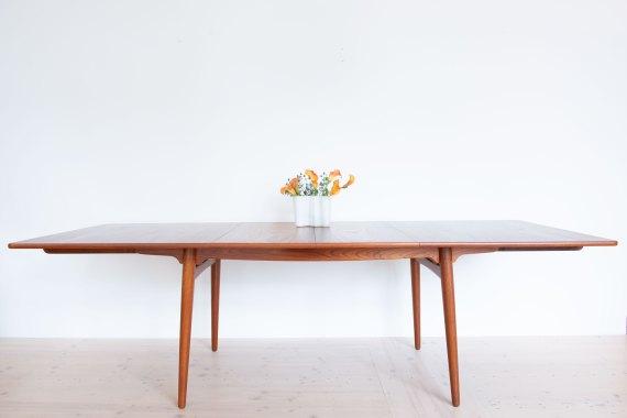 Hans_J_Wegner_AT310_Dining_Table_in_Teak_heyday_möbel_Zurich_Switzerland_0723