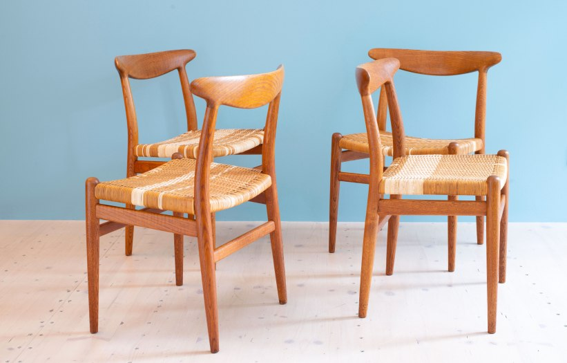 Hans_J_Wegner_W2_Dining_Chairs_Oakd_and_Cane_heyday_möbel_Zurich_Switzerland_0472