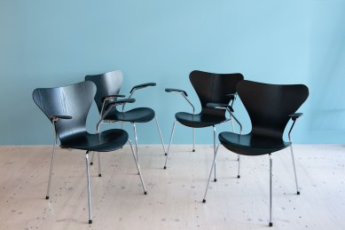 Arne_Jacobsen_Series_7_Dining_Chairs_heyday_moebel_1170