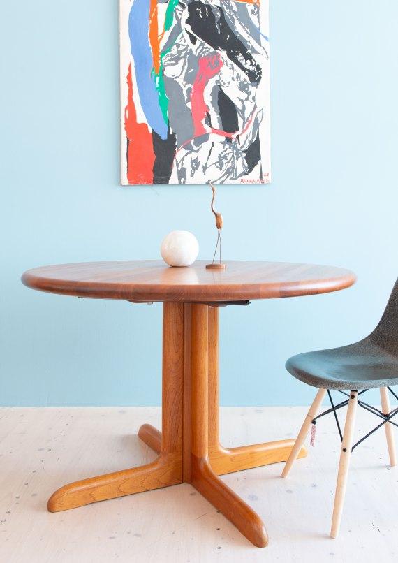 Niels_Otto_Möller__Round_Dining_Table_by_Gudme_Möbelfabrik_heyday_möbel_Zurich_Switzerland_1203