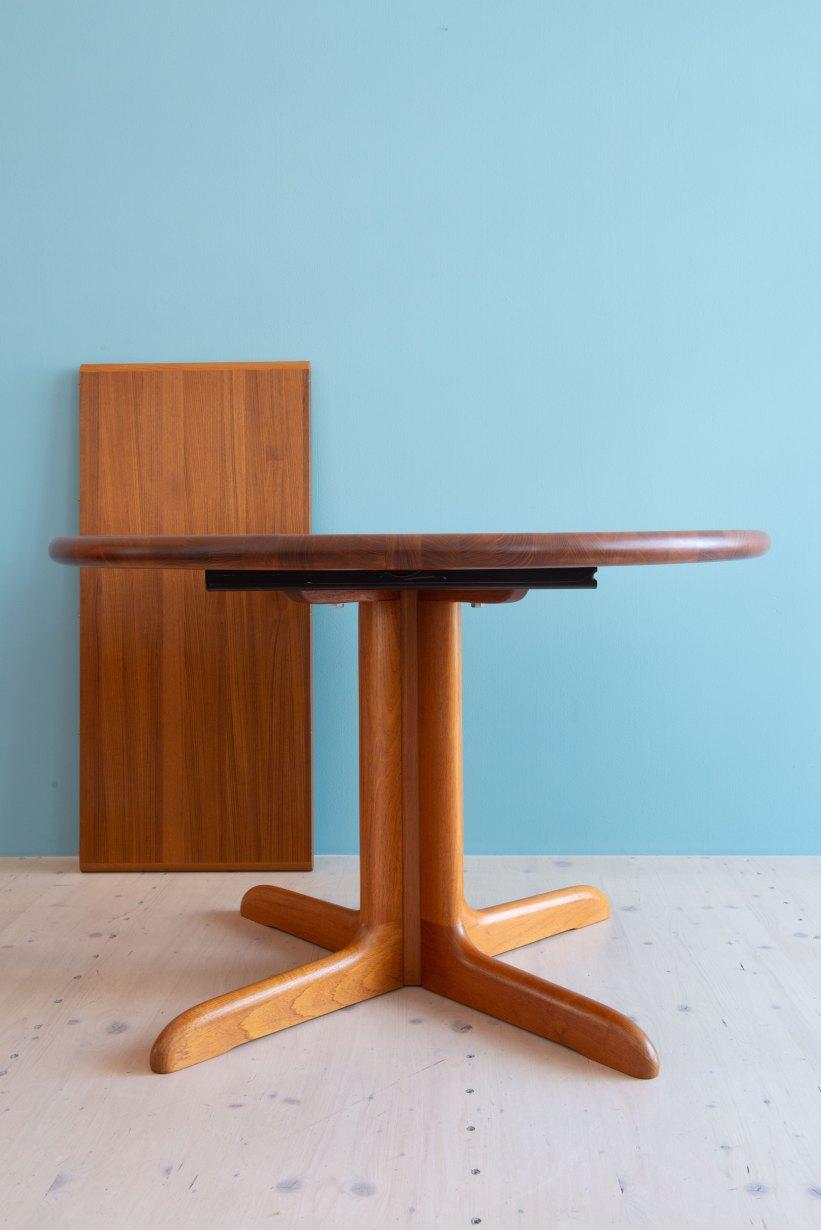 Niels_Otto_Möller__Round_Dining_Table_by_Gudme_Möbelfabrik_heyday_möbel_Zurich_Switzerland_1224