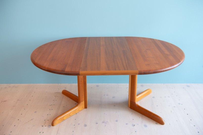 Niels_Otto_Möller__Round_Dining_Table_by_Gudme_Möbelfabrik_heyday_möbel_Zurich_Switzerland_1228