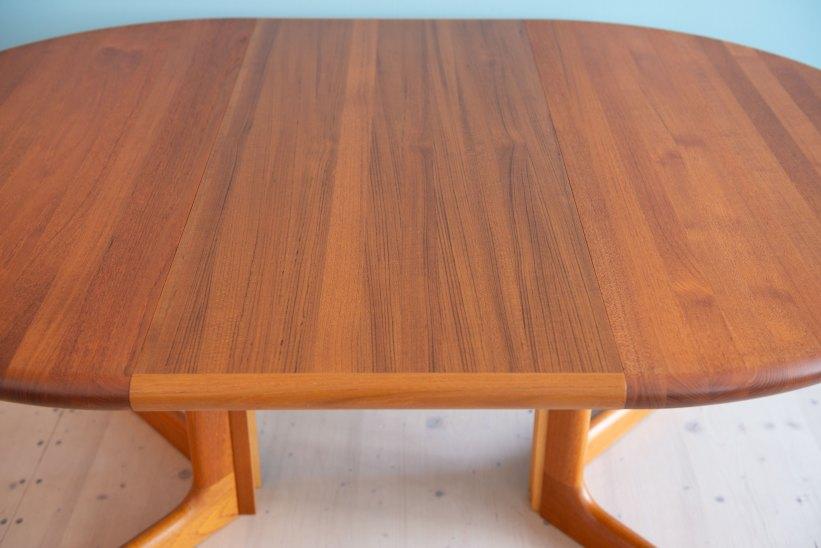 Niels_Otto_Möller__Round_Dining_Table_by_Gudme_Möbelfabrik_heyday_möbel_Zurich_Switzerland_1231