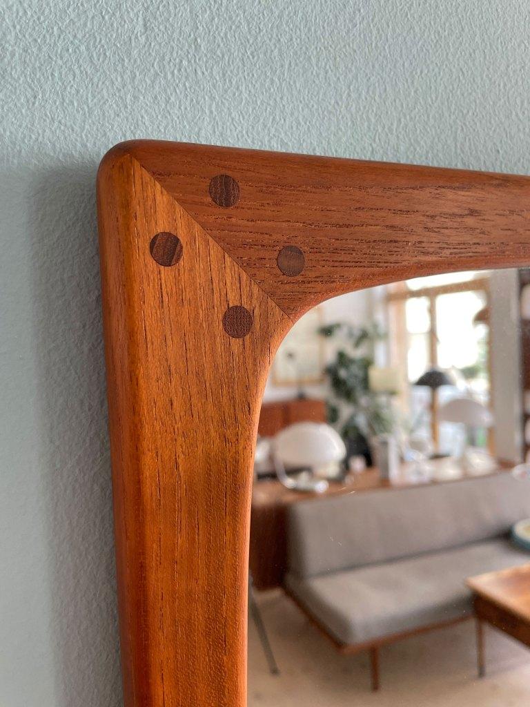 Mid-Century Modern Teak Mirror. Available at heyday möbel, Grubenstrasse 19, 8045 Zürich, Switzerland.