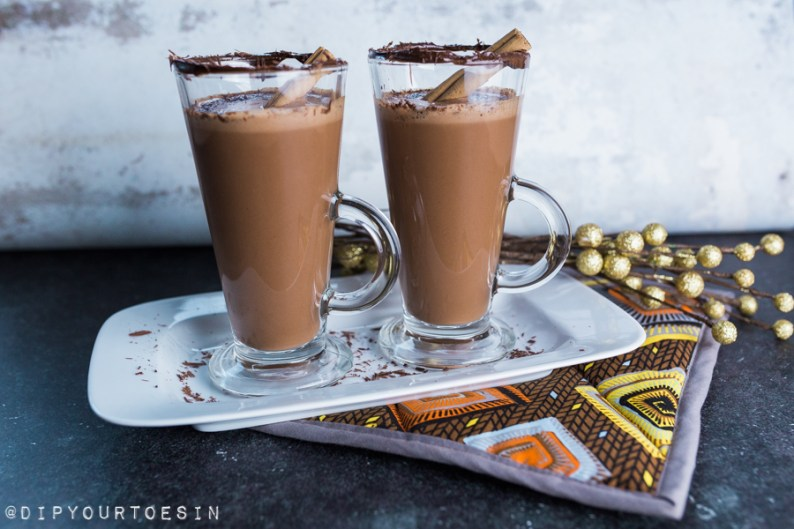 Hot Rum Chocolate with Cacao & Cinnamon | via @dipyourtoesin