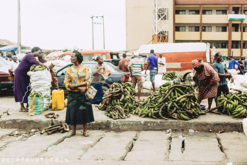 Weekly plantain market near Ikeja, Nigeria | via @dipyourtoesin