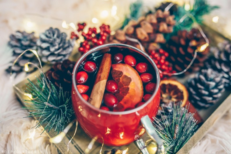 Festive Mulled Wine served in a Moscow mule mug.