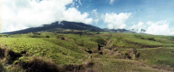 The cloud-covered Rinjani