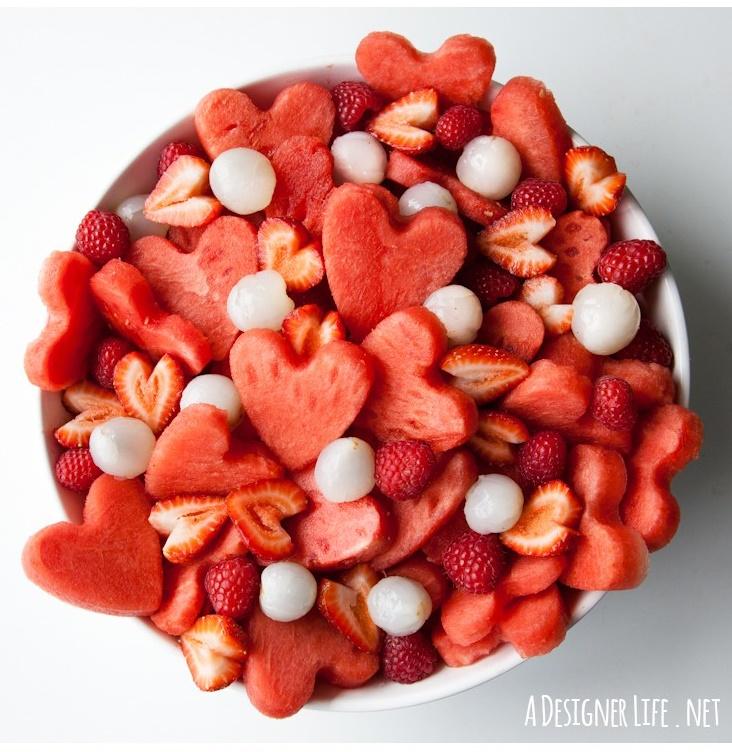 valentines day, dia dos namorados, amor, diy, cafe da manha, salada de fruta, coração, formato de coração, ideias, artesanato, ideias fofas, cozinhando