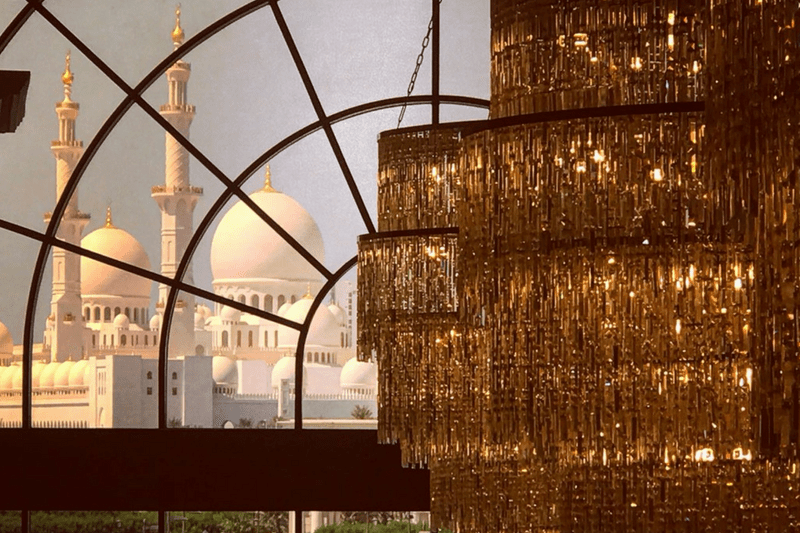 viajar é preciso, viagem, Oriente Médio, Ásia, destino, viajando pelo mundo, #ondeestálili, #heyiamlili, morar fora, morando fora, turismo, roteiro de viagem, viajar, mochilão, mochilando, blog de viagem, Abu Dhabi, Dubai, Emirados Árabes, Mesquita