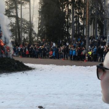 Tradição de Páscoa – Espantando as Bruxas em Seurasaari