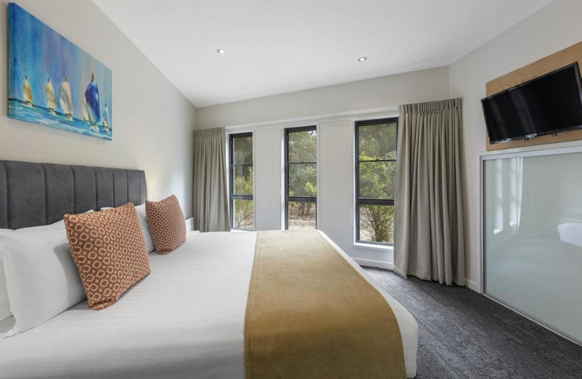 Ramada Resort by Wyndham Seven Mile Beach - Hotel near Hobart Airport