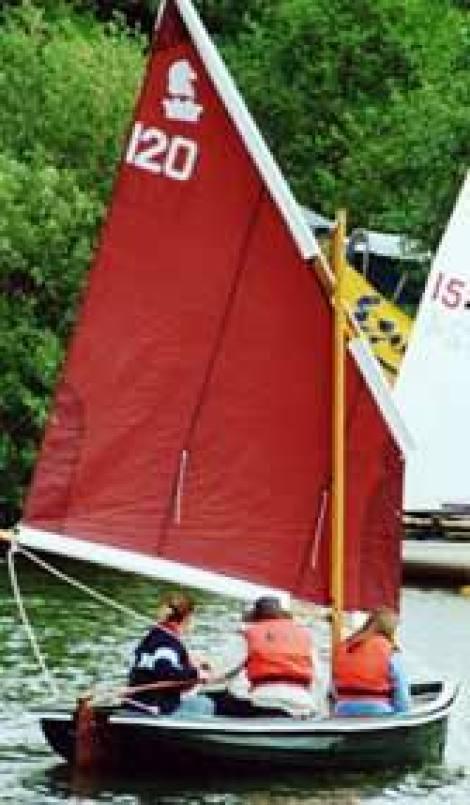 Heyland Lugger Sailing Boat2